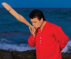 """Juan Gabriel volvió a los escenarios… en forma de """"holograma"""""""
