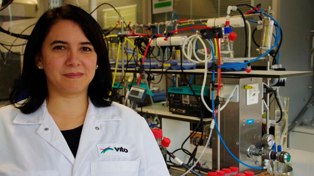 Una mexicana patenta tecnología que limpia el agua de metales
