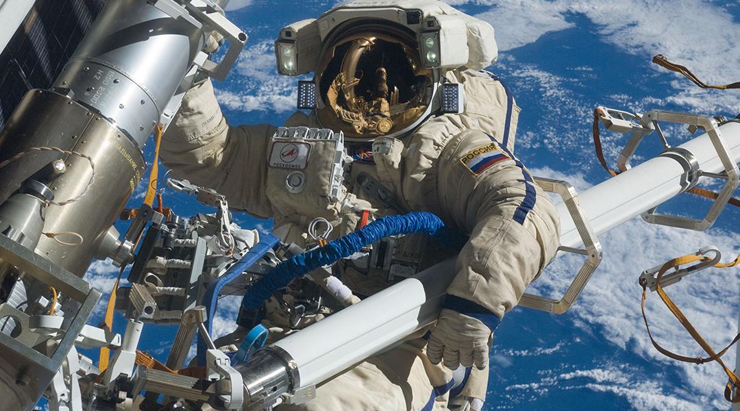 La agencia espacial rusa está buscando reclutas para su primer aterrizaje lunar tripulado