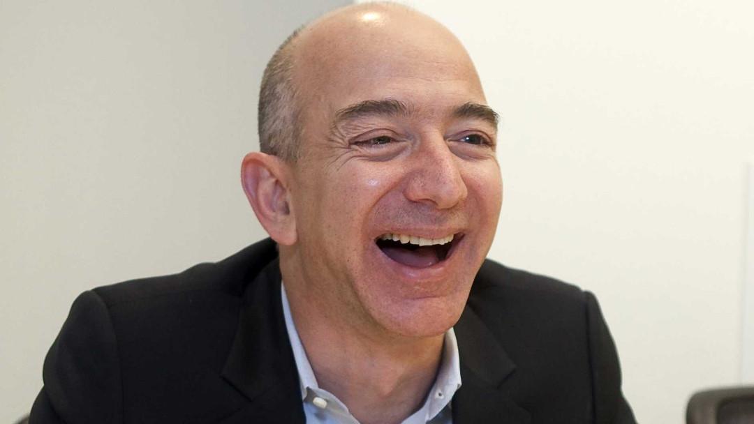 Jeff Bezos lanza fondo millonario para ayudar a desamparados