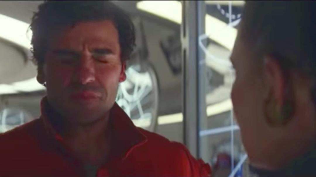 Leia cachetea a Poe en los bloopers de The Last Jedi