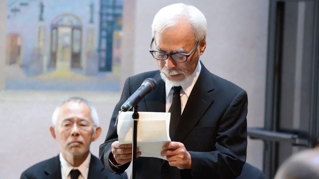 Hayao Miyazaki en el funeral de Isao Takahata