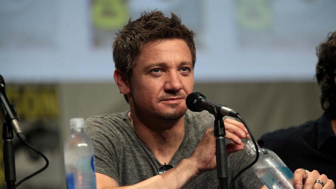 Jeremy Renner podría unirse al elenco del reboot de Spawn