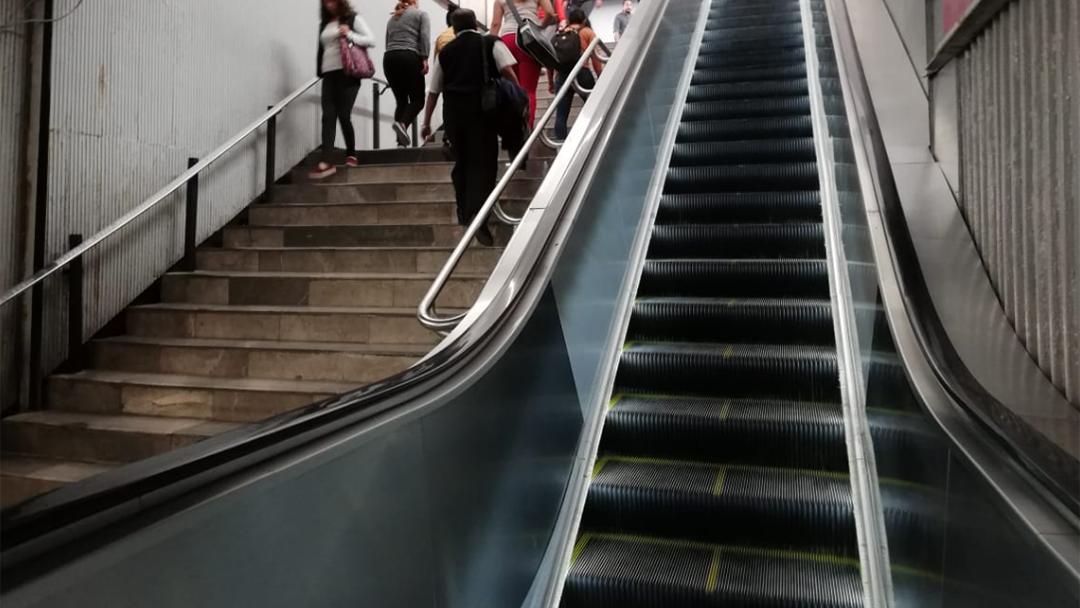 La nueva escalera del metro Balderas
