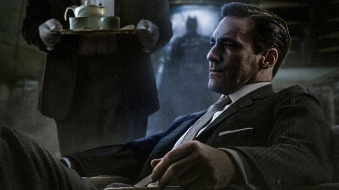 Jon Hamm como el multi millonario Bruce Wayne, alias Batman