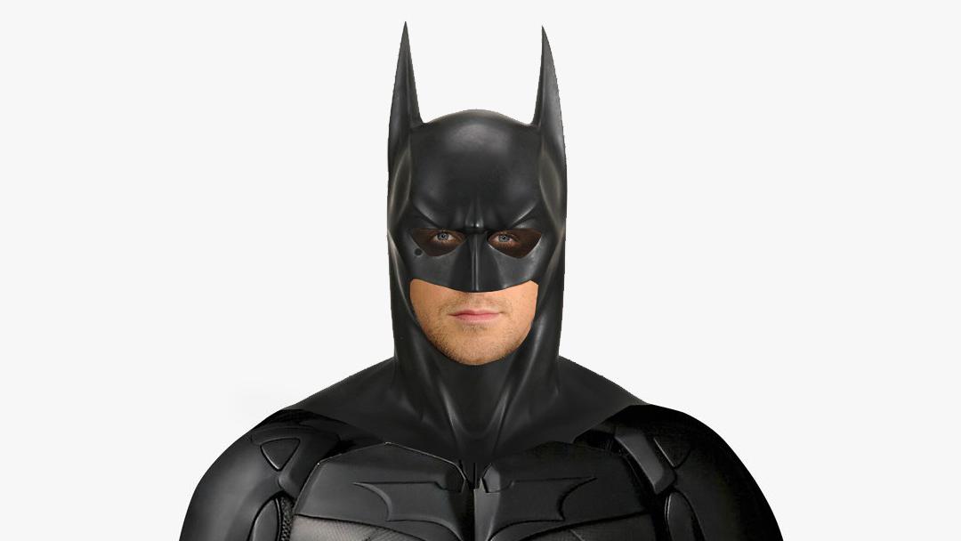 Ryan Goslig con el traje de Batman de Val Kilmer