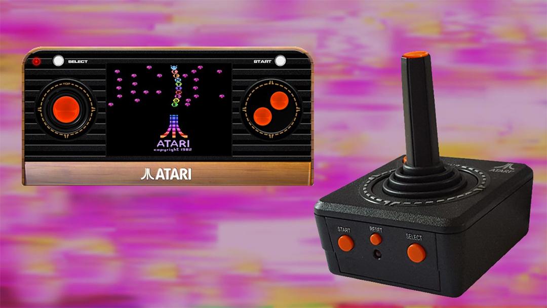 Dos consolas retro de la marca Atari