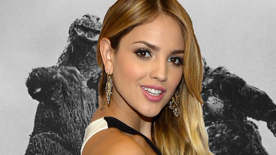 Eiza Gonzalez con King Kong y Godzilla