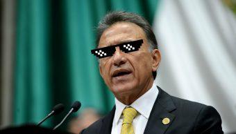 Gobernador de Veracruz se pronuncia contra la ley antimemes