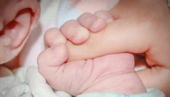Nace primer bBebe Prematuramente Cambio Climáticoebé de transplante de útero de donante muerta