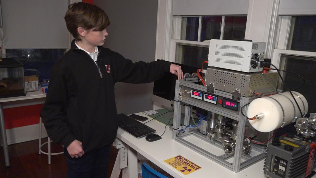 Reactor Nuclear, Jackson Oswalt, 12 años, Crear