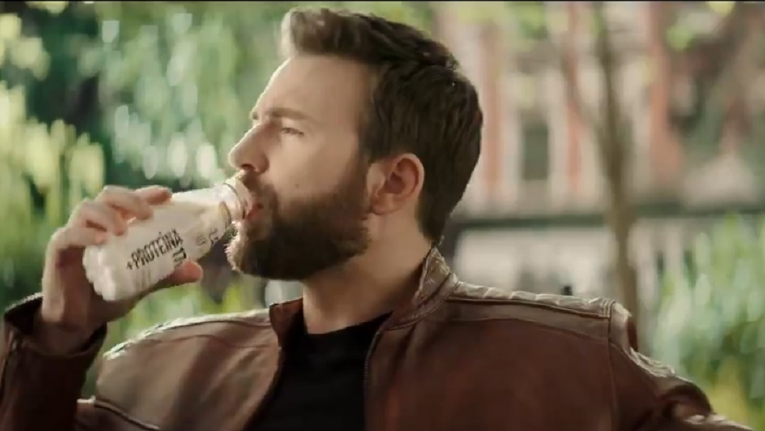Chris Evans Leche Lala