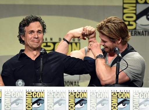 Mark Ruffalo y Chris Evans en la comic-con