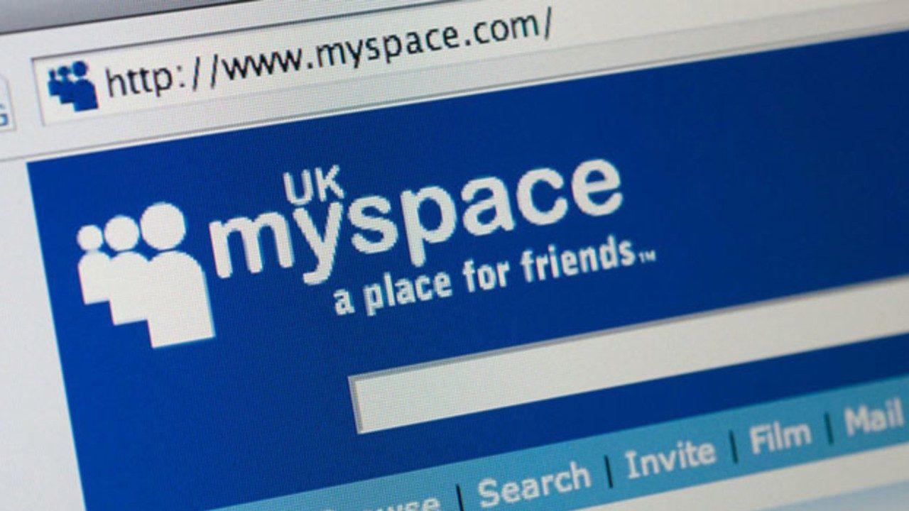 Joven crea su propia versión de MySpace