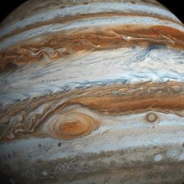 """Podrían existir lugares """"habitables"""" dentro de las lunas heladas de Júpiter"""
