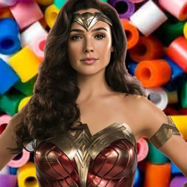 DC Comics: Chica realiza asombroso cosplay de Wonder Woman con perler beads