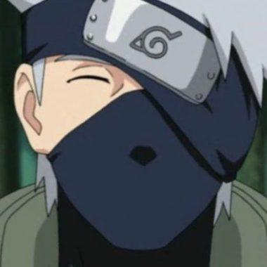 Naruto: Chica toma el lado más femenino de Kakashi Hatake y lo plasma en este cosplay
